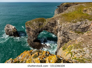 Green Bridge of Wales, Pembrokeshire Coast, Wales, U.K.