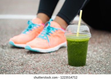 Green detox smoothie. Fitness lifestyle and healthy diet concept.