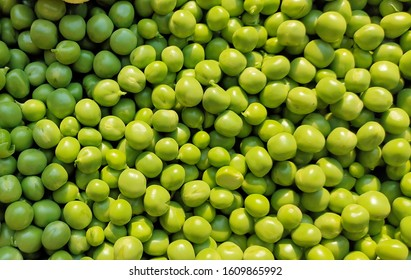 Green and healthy raw peas