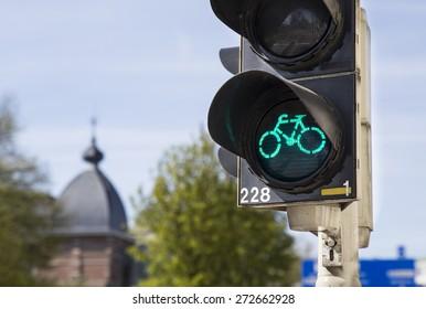 Green light for bicycle lane