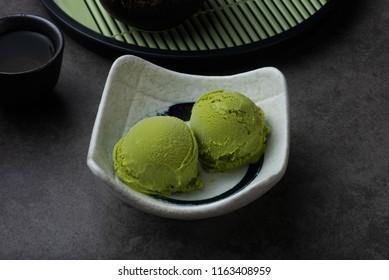 green matcha ice cream