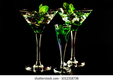green mint liqueur, refreshing drink with fresh mint, energizing cocktail, party night