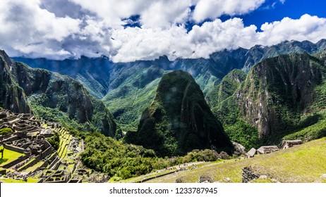 The green mountain peaks of Machu Picchu