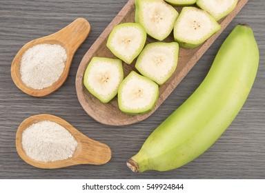 Green plantain flour (Musa paradisiaca)