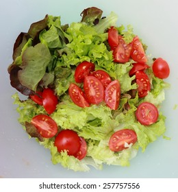 green salad and tomato texture