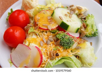 green side salad with cheese dressing