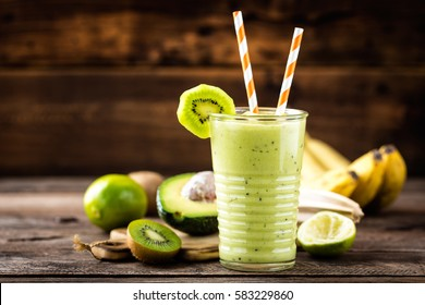 green smoothie kiwi banana and avocado, healthy eating, superfood
