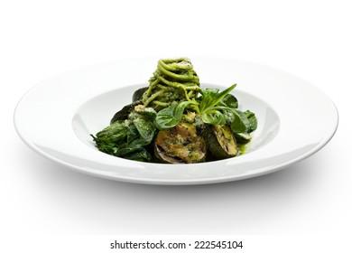 Green Spaghetti with Zucchini, Fresh Spinach and Pesto Sauce