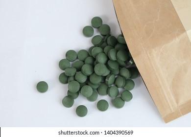 green spirulina chlorella organic detox tablets