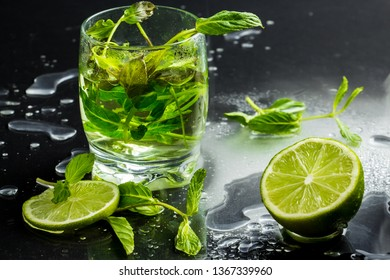 green tea with lime and fresh min