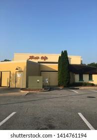 Greensboro nc June 3 2019 Mimi's Cafe