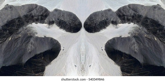 the greeting,Tribute to Dalí, abstract symmetrical photograph of the deserts of Africa from the air, aerial view, abstract expressionism,mirror effect, symmetry,kaleidoscopic photo,