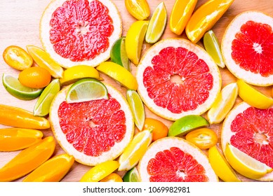 Grep slices with other citrus fruits
