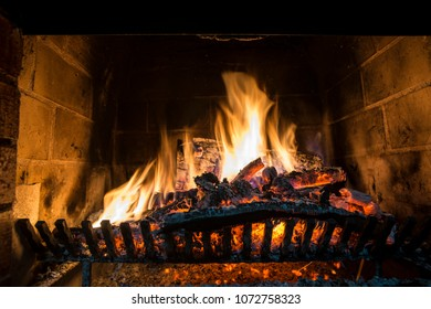 6/10/18-6/16/18 Grill-burning-firewood-fireplace-260nw-1072758323