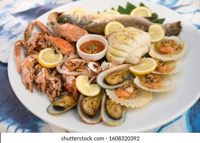 Grill Crab, fish,shrimps,scallop,octopus mix with thai style dipping sauce