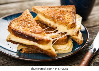 Sandwich mit gegrilltem Käse