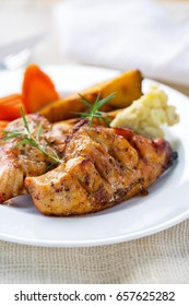 grilled chicken breast with vegetable for clean eating