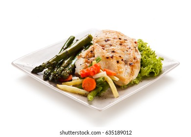 Grilled chicken fillet with asparagus