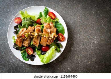 grilled chicken with salad vegetable - healthy food style