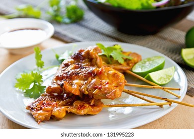 Grilled chicken with Thai 's chili sauce and salad
