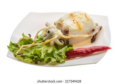 Grilled cuttlefish with salad and pepper