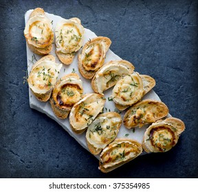 Grilled goats cheese toasts