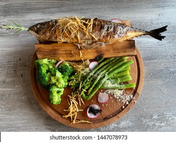 grilled mackerel with asparagus and broccoli