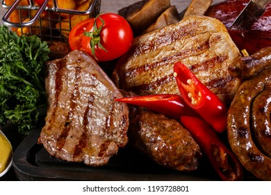 Grilled meat mix plate - beef, pork and chicken