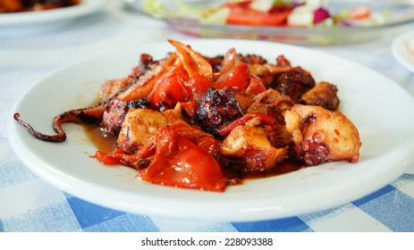 grilled octopus with sweet peppers in a cafe on the Canary Islands ( frito)