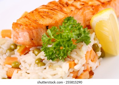 grilled salmon with mixed vegetable and lemon