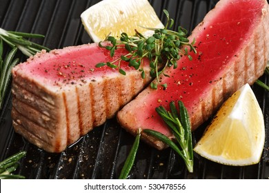 Grilled tuna with spice and lemon for cafe menu