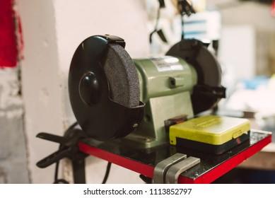 Grinder machine in a workshop