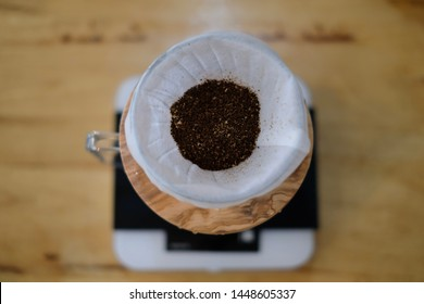 Grinding coffee bean for drip