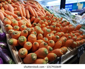 Grocery store, fresh & local fruits & vegetables