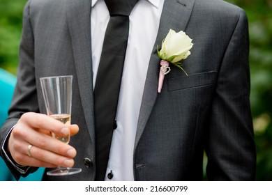 groom bride bouquet flowers wedding rings