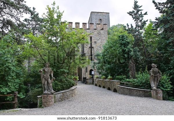 gropparello-castle-emiliaromagna-italy-6