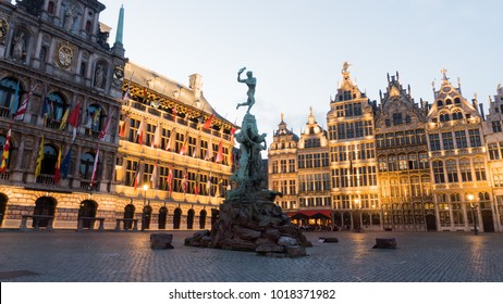 Grote Markt ,Antwerp town hall and Brabo fountain