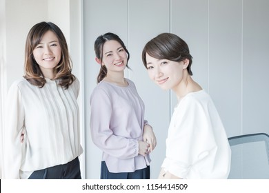 Group of asian woman in the office.