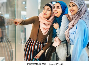 Group of cheerful young woman