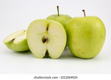 group of fresh, healthy apples
