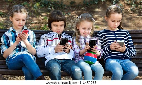 https://image.shutterstock.com/image-photo/group-friendly-smiling-children-posing-600w-413452735.jpg
