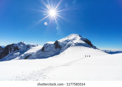 group of mountaineers going up to Mont Blanc