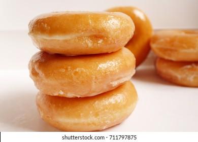group of plain doughnut in doughnut box