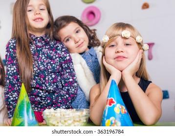 Group of small children celebrating birthday