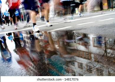 Group of top marathon racers 4