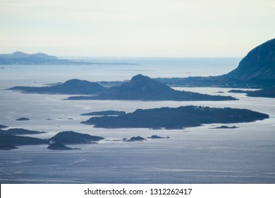 Group of wild norwegian islands. Near Aalesund, and close to the open Atlantic sea, with the horizon in the bc