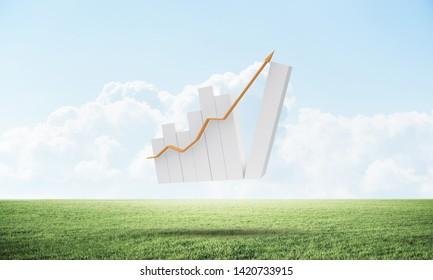 Zunehmende Finanzkurve auf grüner Wiese. Unternehmensstatistik und -analyse. Erfolgreicher Börsenhandel und Investitionen. Schöne Landschaft mit bewölktem blauen Himmel. Gemischte Medien mit 3D-Renderingobjekten.