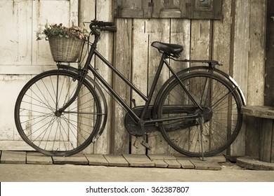 Imágenes Fotos De Stock Y Vectores Sobre Bicicleta Vintage