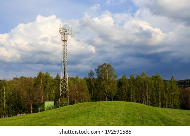 GSM Transceiver Tower in The Countryside, Base Transceiver Station (BTS), Mobile Communication Technolgy
