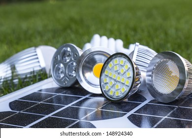 GU10 LED bulbs on photovoltaics, in the grass E27 LED and CFL